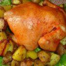Целая курица запеченая с картофелем в аэрогриле