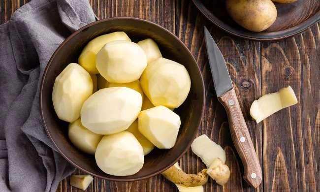 почищенная картошка