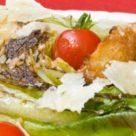 салат цезарь с помидорами черри