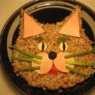 Кошачья мордочка из гречки для детей