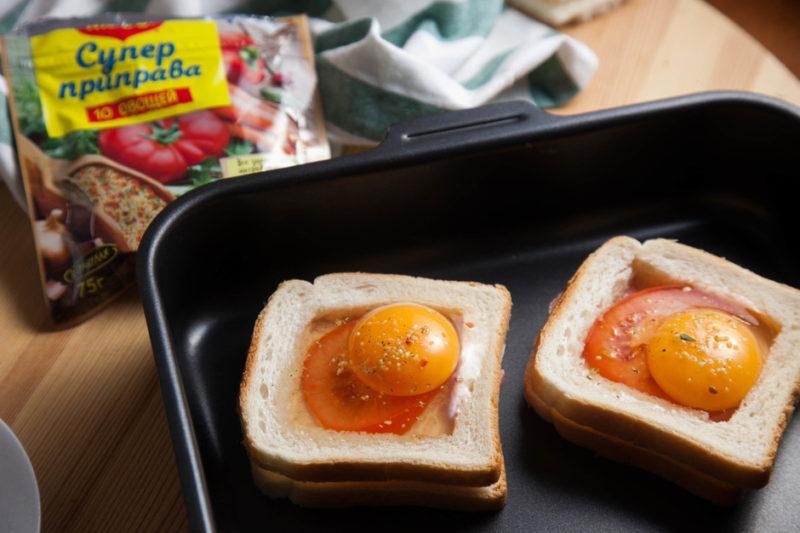 Бутерброды с яйцом в духовке