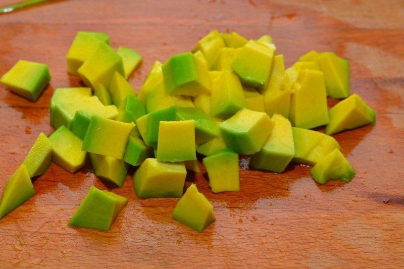 Нарезанный авокадо