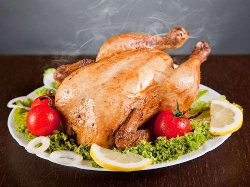 курица гриль на блюде
