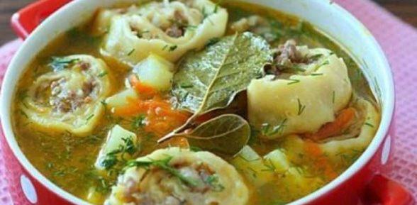 Сырный суп с ленивыми пельменями