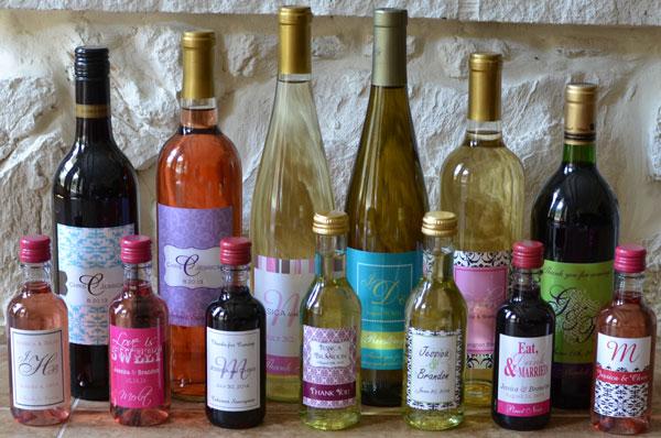 Переливание вина в меньше по объему бутыли