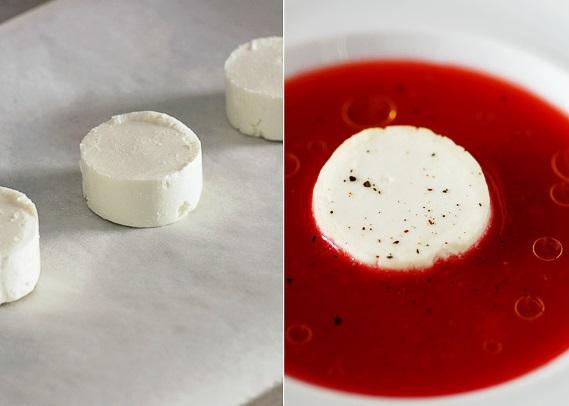 Клубничный гаспачо с сыром