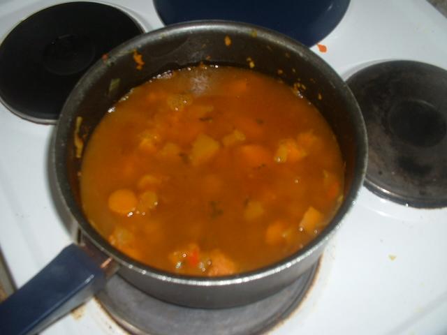 Приготовление пряного супа-пюре из тыквы