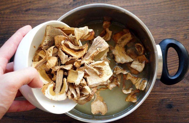 Приготовление котлет из сушеных белых грибов