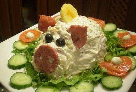 салат в форме поросенка
