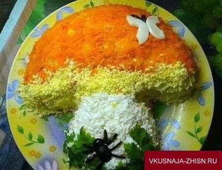 салат в форме гриба