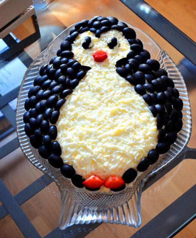салат пингвин на блюде