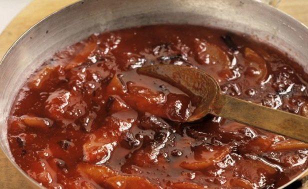 Приготовление шоколадно-персикового варенья