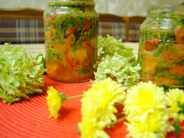 Острый салат из помидоров
