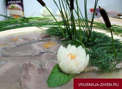 расставить камыши и лилии