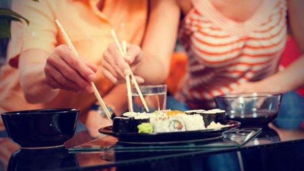 кушать суши