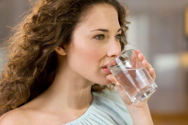 выпить воды