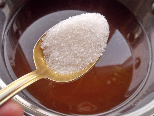 добавить в квас сахар