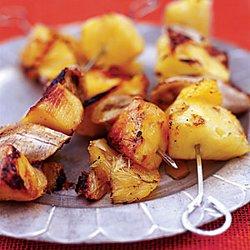 Летний десерт: готовим шашлык из фруктов