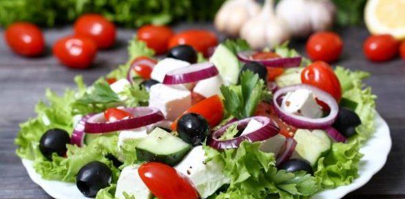 Летний салат с фетой