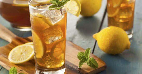сладкий чай со льдом и лимоном