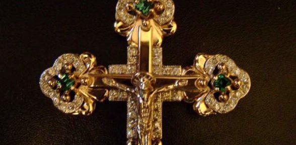 Золотые нательные крестики – украшения со смыслом