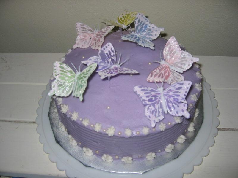 Украсить кекс бабочками из айсинга
