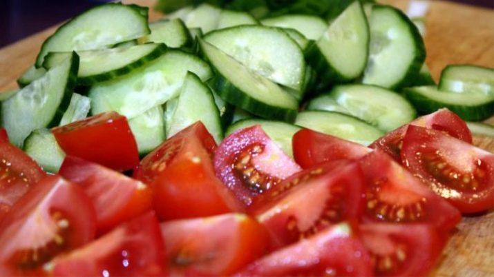 Огурцы и помидоры дольками