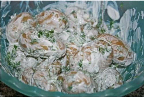 Промазать картофель