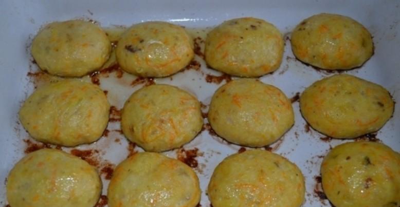 Запечь котлеты с сыром