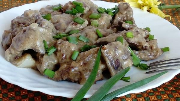 куриная печень с зеленым луком