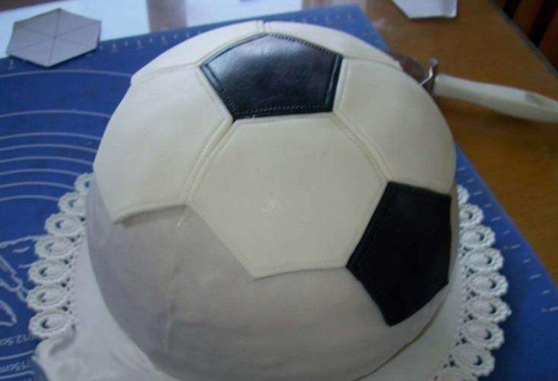 Выложить футбольную мозаику