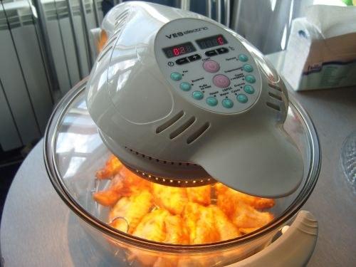 Положить картофель в аэрогриль