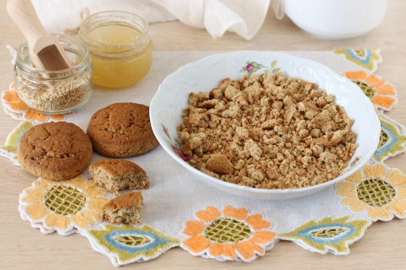 Раскрошить овсяное печенье