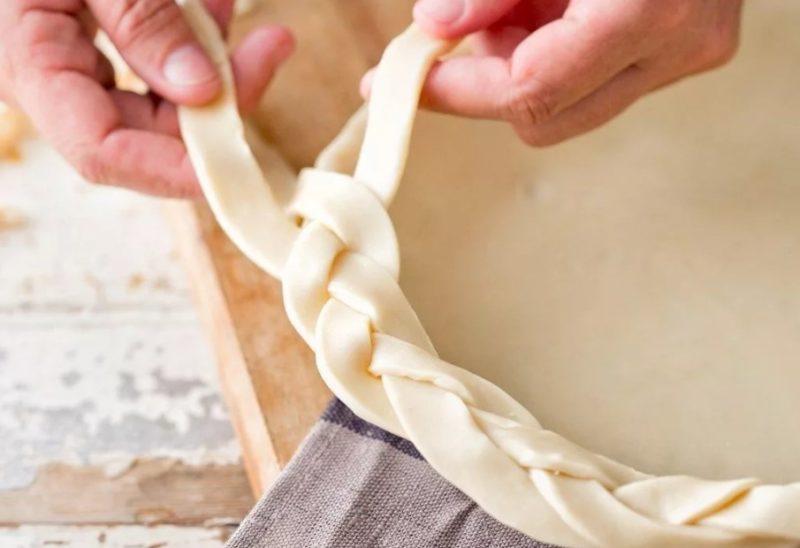 Как украсить пирог тестом 4