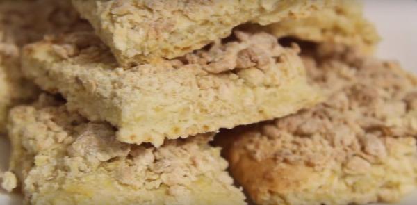 разрезать печенье на кусочки