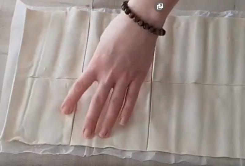 Тесто разрезать на квадраты
