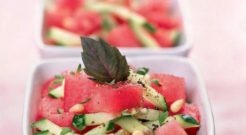 Салат из огурцов и арбузов
