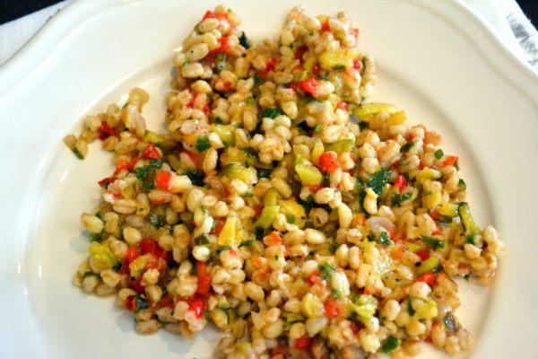 салат из фарро с запеченными овощами