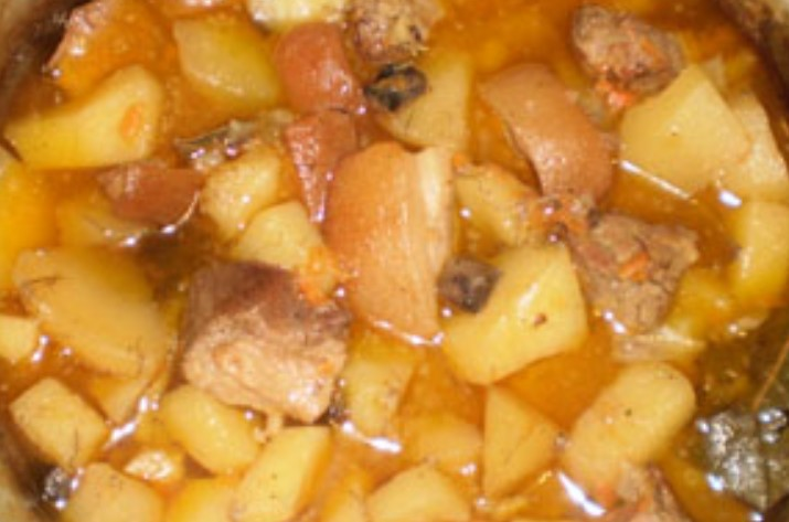 Тушить с картофелем и специями