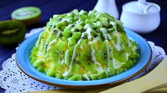 Салат с киви «Изумрудная россыпь»