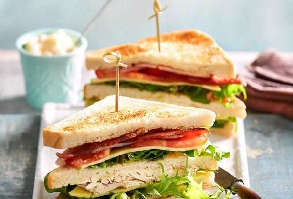 готовый сэндвич