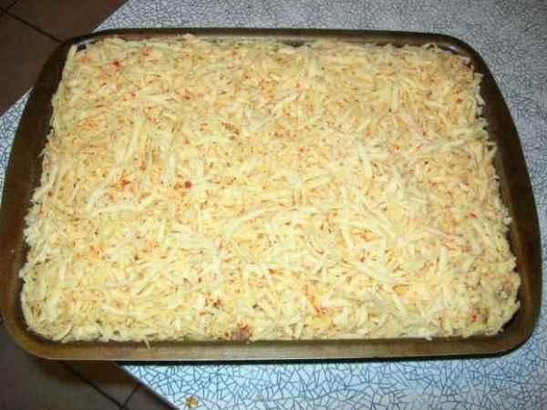 картофельная запеканка перед выпечкой