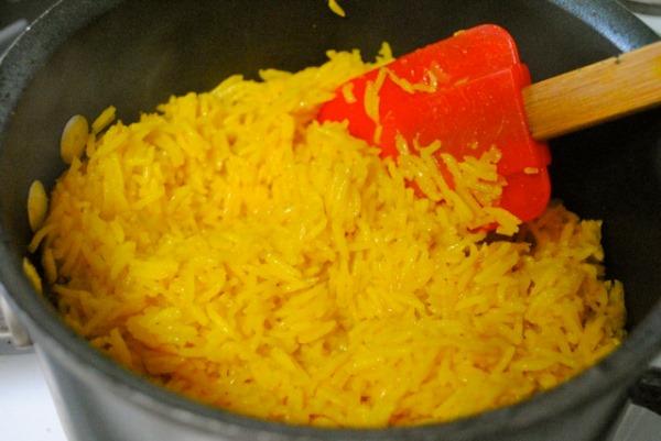 перемешать рис