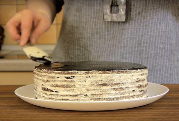 обмазать торт помадкой