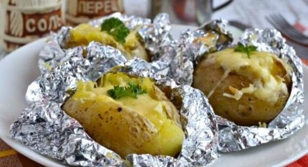 готовый картофель с сырной начинкой