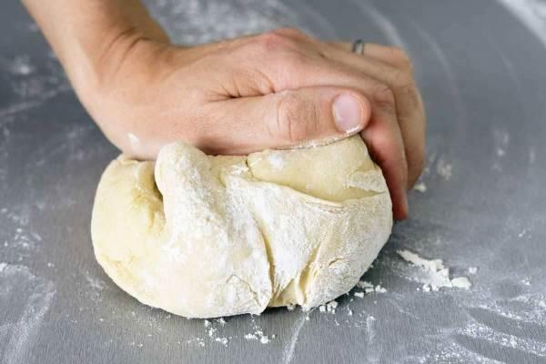 приготовить слоеное тесто