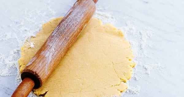 раскатать песочное тесто