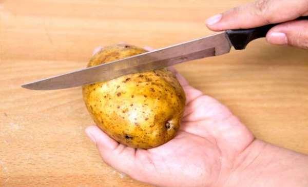 сделать надрез на картофеле
