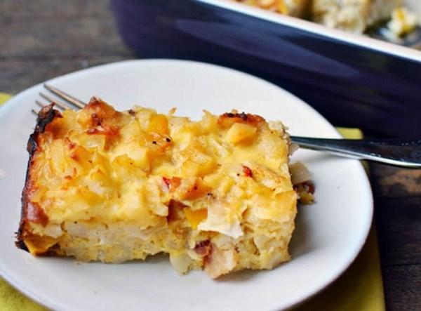 картофельная запеканка на тарелке