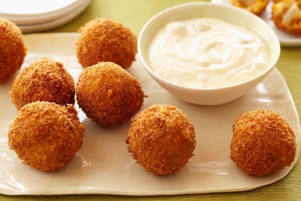 картофельные шарики со сметаной